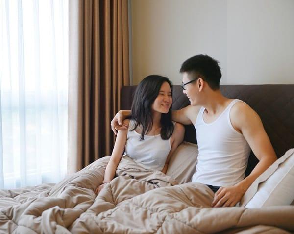 """Những """"sợi dây ma mị"""" giúp các cô vợ thổi bùng cảm hứng """"yêu"""" cho ông xã, dù người sắt đá nhất cũng phải mềm lòng ngã quỵ - Ảnh 1."""