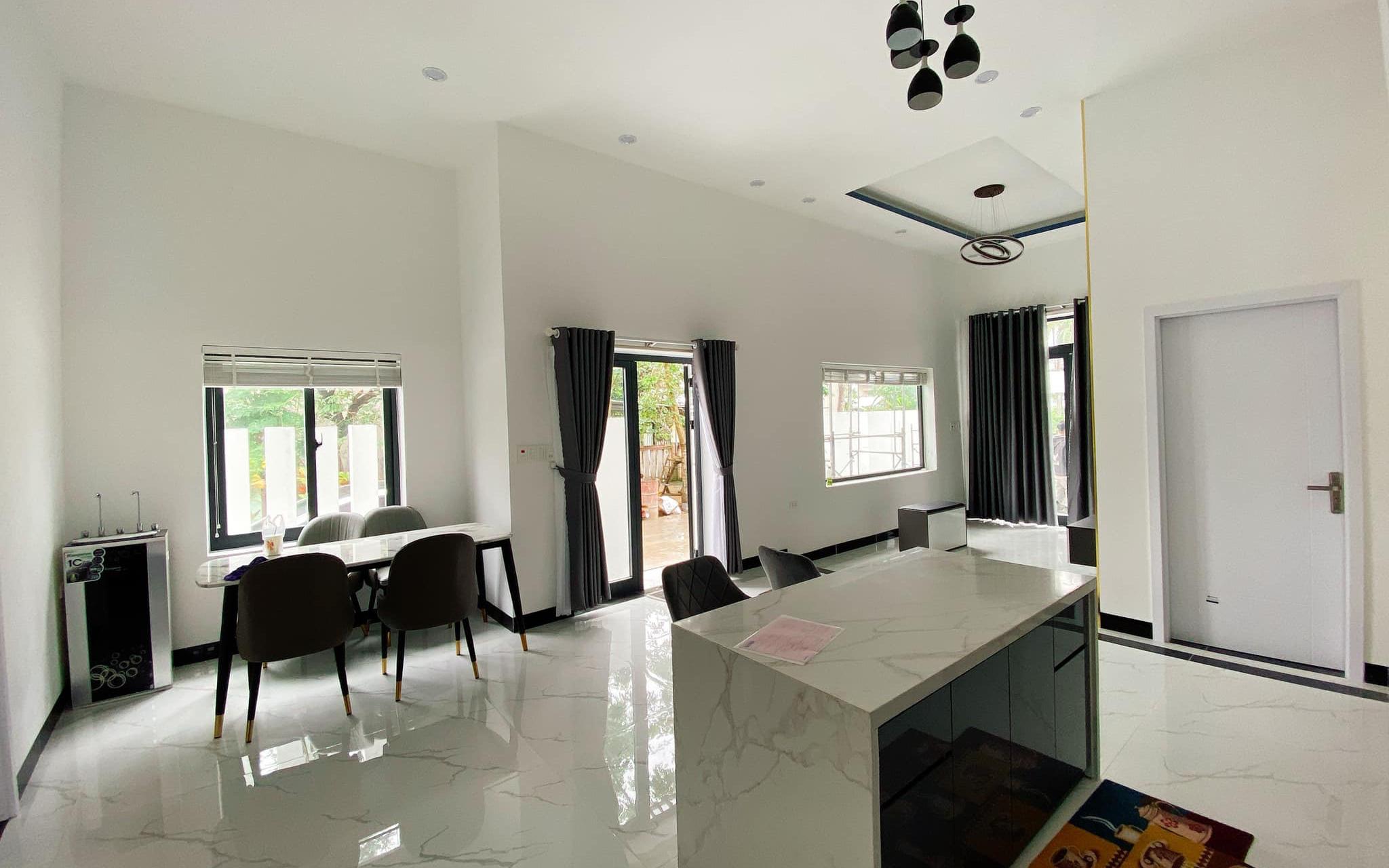 Nhà cấp 4 tự tay hai vợ chồng trẻ lên ý tưởng và thiết kế với tổng chi phí hơn 1 tỷ đồng ở Quảng Ngãi