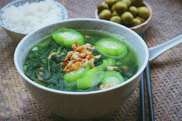 """Chuyên gia """"bật mí"""" 4 loại rau không thể thiếu trên mâm cơm vào ngày nắng nóng cực điểm, vừa giúp giải nhiệt vừa tăng miễn dịch - Ảnh 1."""