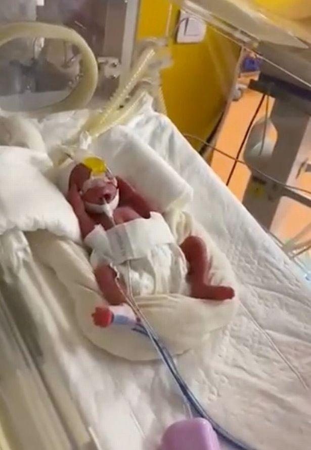 Gửi lời chúc mừng đến ca sinh 9 gần đây, bà mẹ bất ngờ tiết lộ mình chính mẹ của ca sinh 6 nổi rần rần cách đây 37 năm - Ảnh 7.