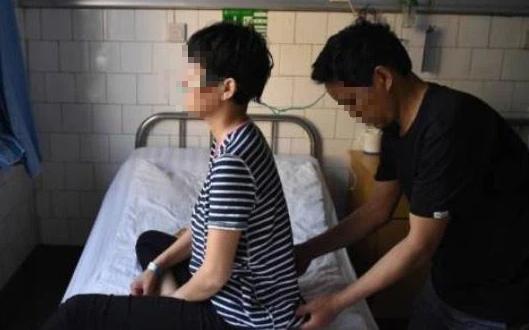 2 vợ chồng cùng mắc ung thư phổi, nguyên nhân chính là do thói quen tai hại của người chồng trước khi đi ngủ