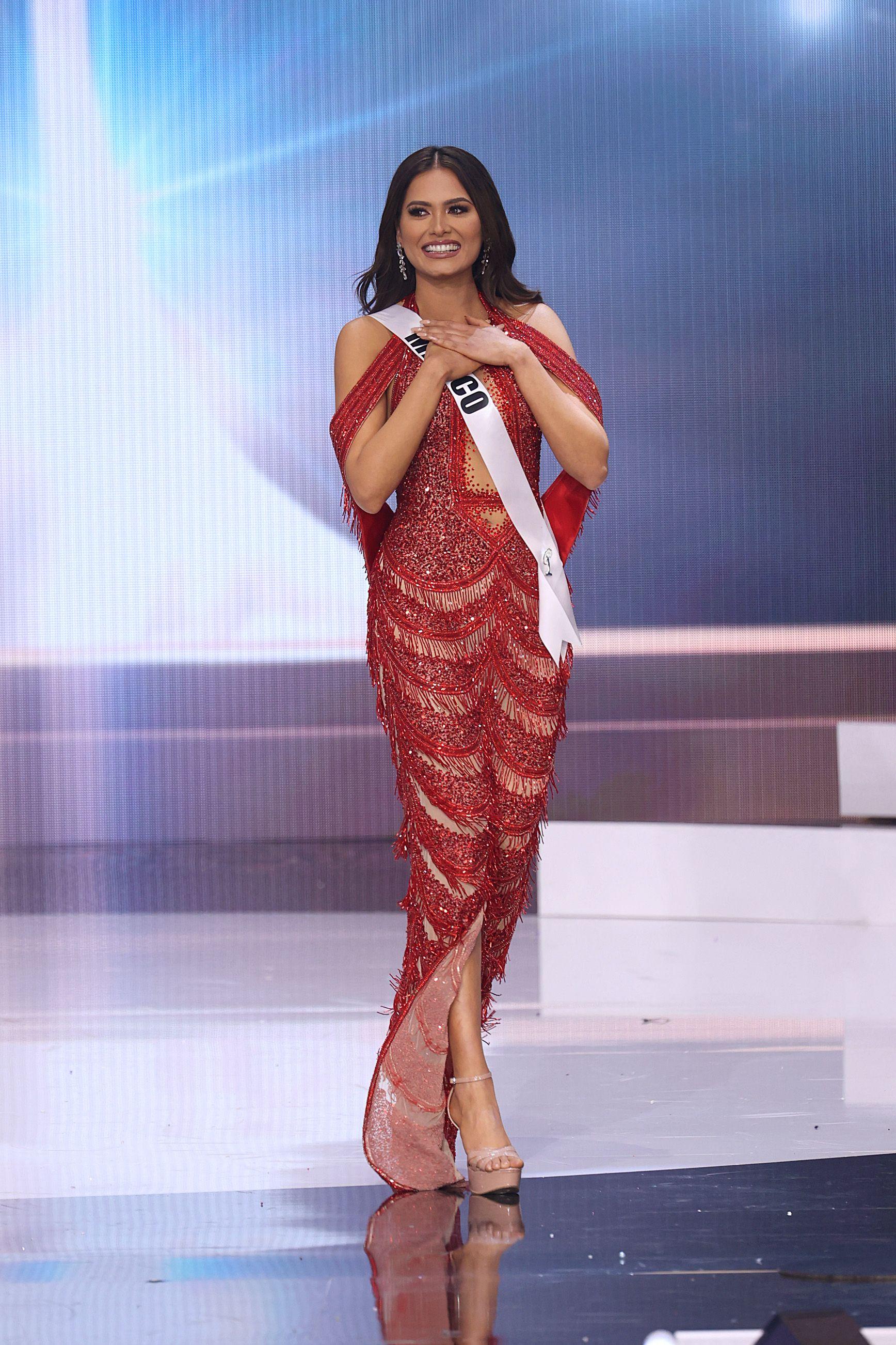 Tân Hoa hậu Hoàn vũ Andrea Meza mặc cái gì thế này? - Ảnh 3.