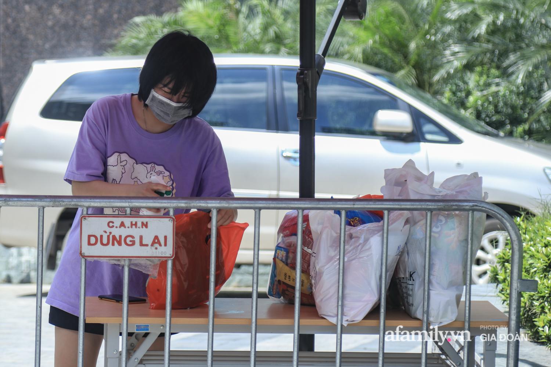Phong tỏa tòa chung cư nơi nữ nhân viên quán bar Sunny có liên quan đến chuyên gia người Trung Quốc dương tính với SARS-CoV-2 - Ảnh 3.