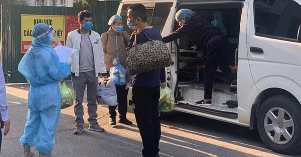 Hà Nội yêu cầu người dân khai báo y tế khi quay trở lại thành phố sau kỳ nghỉ lễ 30/4-1/5 - Ảnh 1.