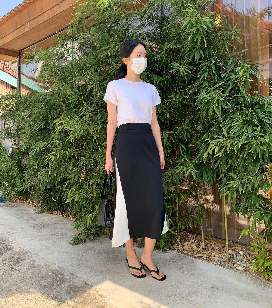 Nàng blogger Hàn có biệt tài diện toàn đồ đơn giản mà ai cũng muốn copy theo, diện đi làm hay đi chơi cũng ổn - Ảnh 3.