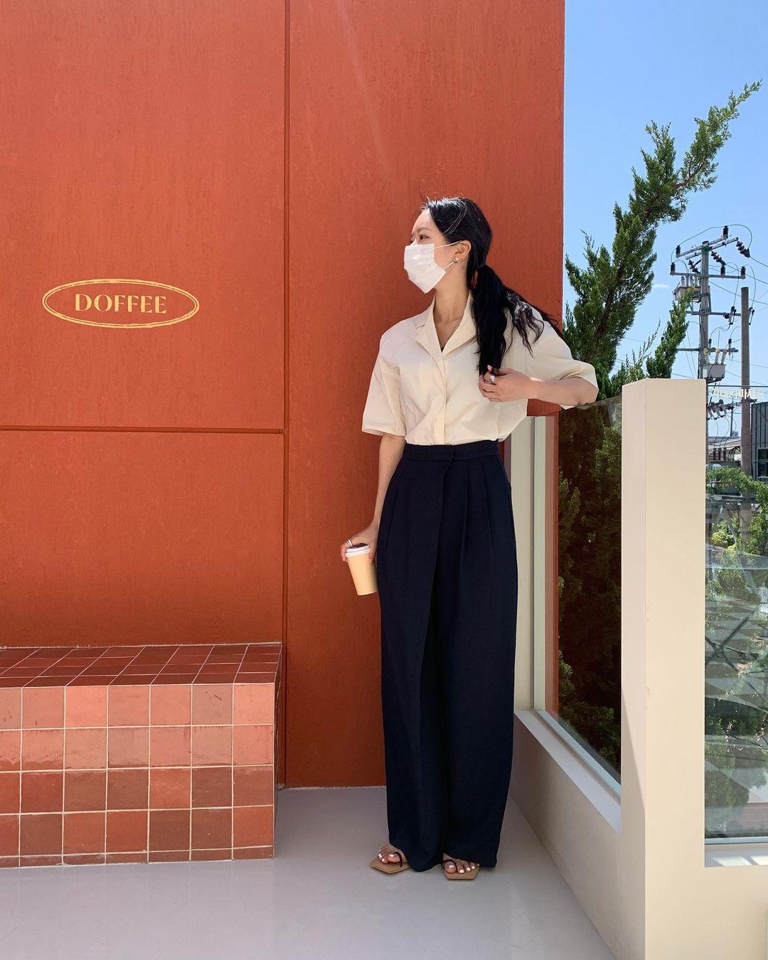 Nàng blogger Hàn có biệt tài diện toàn đồ đơn giản mà ai cũng muốn copy theo, diện đi làm hay đi chơi cũng ổn - Ảnh 9.