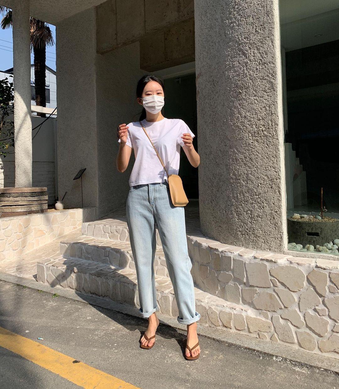 Nàng blogger Hàn có biệt tài diện toàn đồ đơn giản mà ai cũng muốn copy theo, diện đi làm hay đi chơi cũng ổn - Ảnh 2.