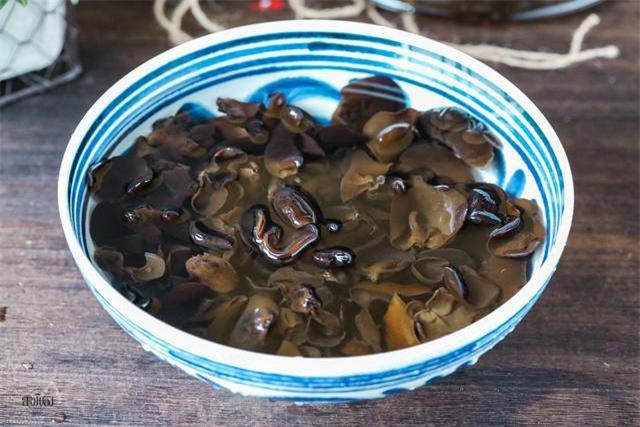 Con dâu tỷ phú Hoàng Kiều sống trong biệt thự 750 tỷ trên đất Mỹ vẫn tự tay vào bếp, nấu toàn bữa ăn chuẩn vị Việt - Ảnh 15.