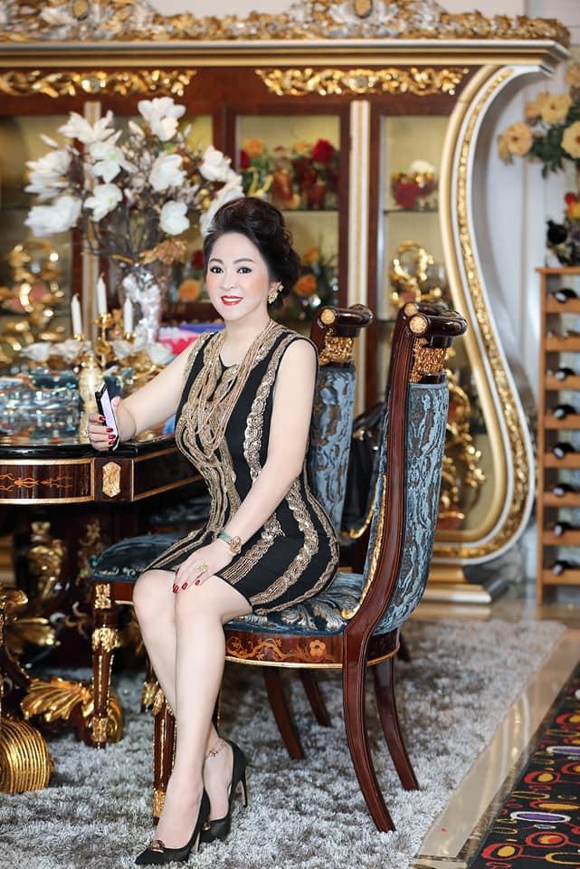 Bà Phương Hằng có style cực kỳ tinh tế, đẳng cấp không phải ở trang sức mà ở món phụ kiện nhỏ xinh này - Ảnh 8.