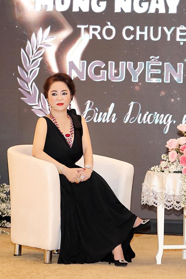 Bà Phương Hằng có style cực kỳ tinh tế, đẳng cấp không phải ở trang sức mà ở món phụ kiện nhỏ xinh này - Ảnh 2.