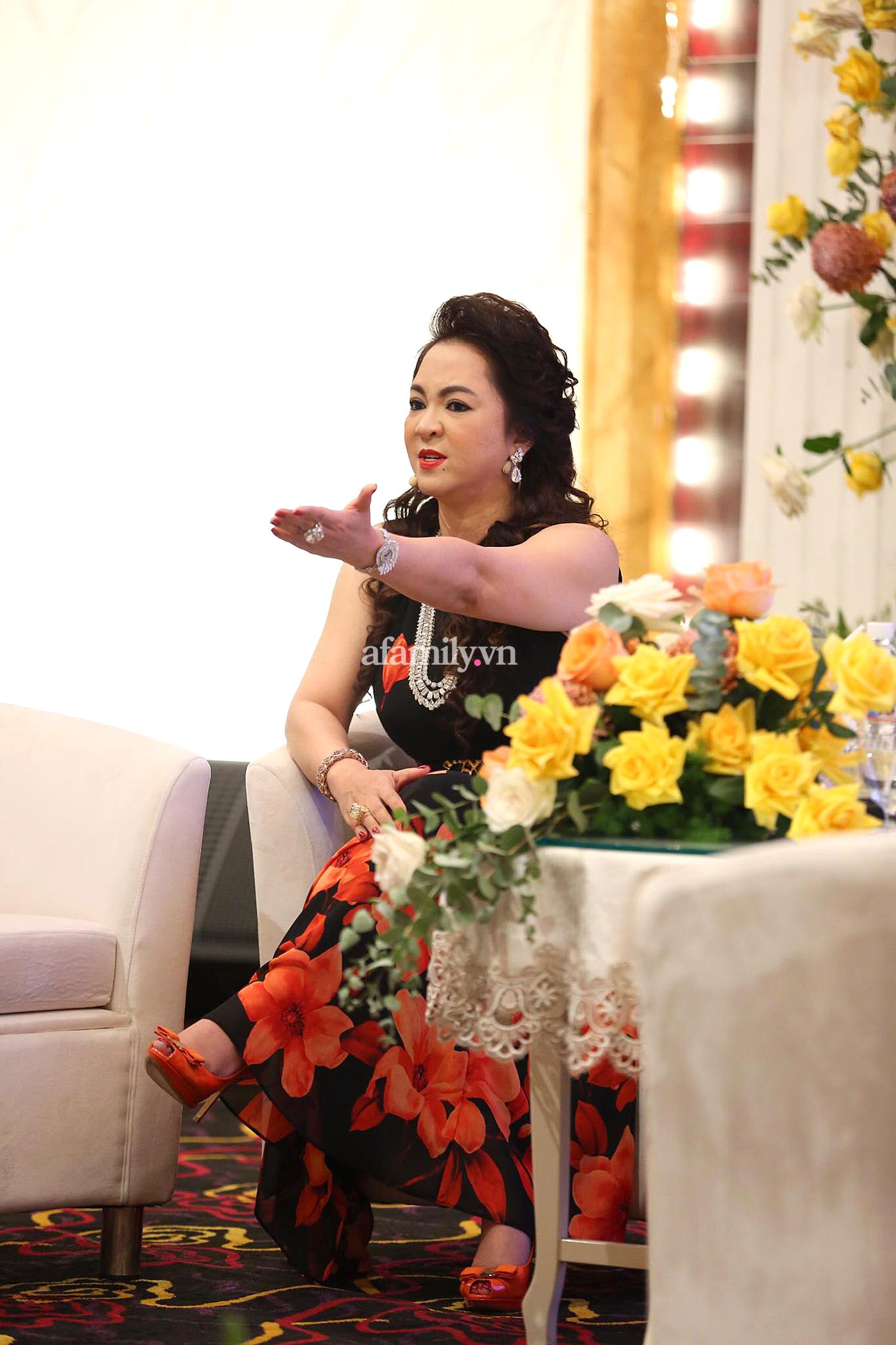Bà Phương Hằng có style cực kỳ tinh tế, đẳng cấp không phải ở trang sức mà ở món phụ kiện nhỏ xinh này - Ảnh 5.