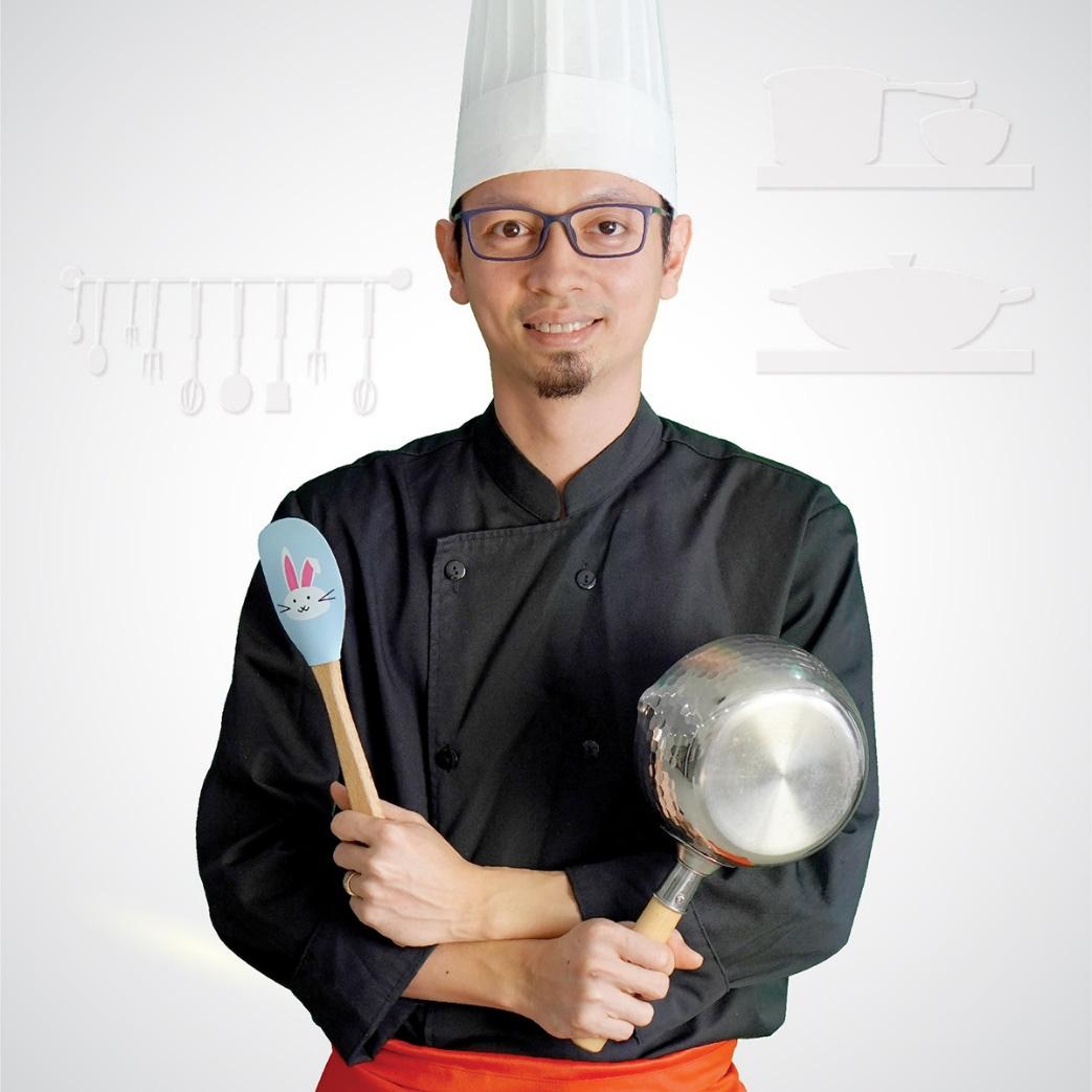 Hoàng Cường và hành trình từ kỹ sư cầu đường đến bố bỉm dạy nấu ăn dặm - Ảnh 1.