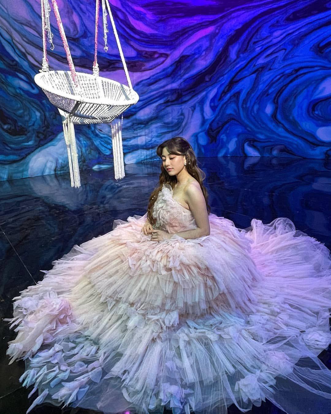 Át vía Nayeon, đây mới là mỹ nhân được stylist của Twice thiên vị nhất khi được diện váy nửa tỷ đồng - Ảnh 3.