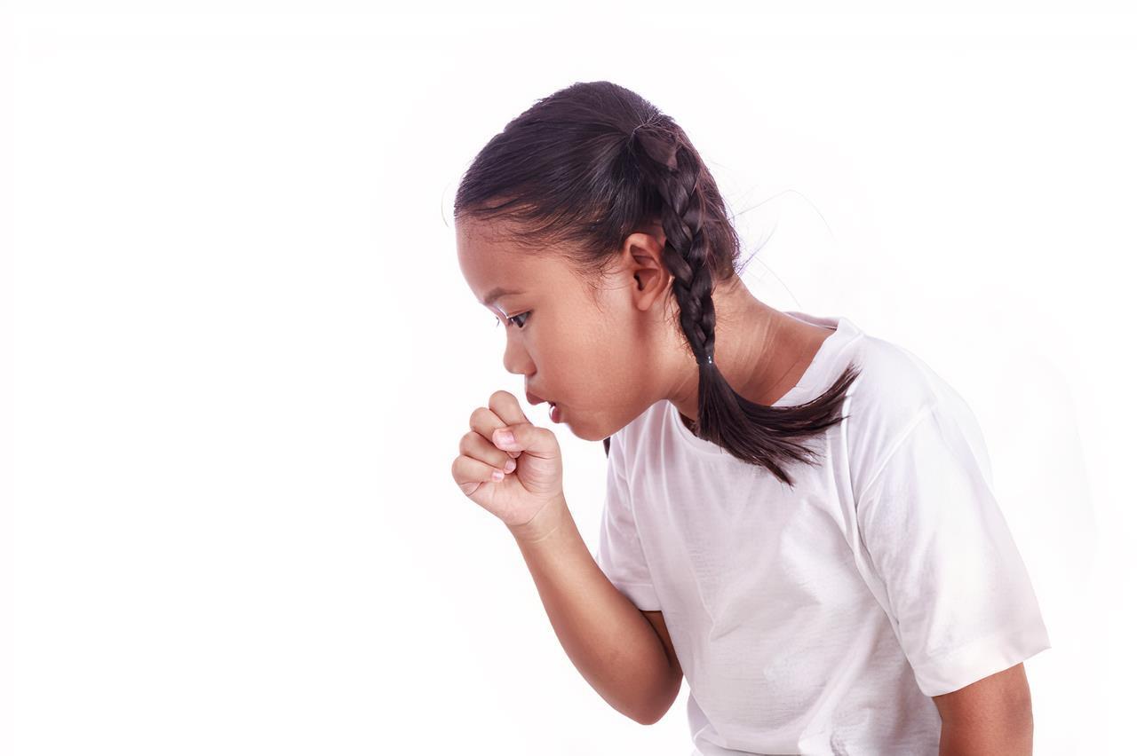 Tác nhân gây bệnh cho trẻ ngay trên quần áo mà bố mẹ không ngờ - Ảnh 1.