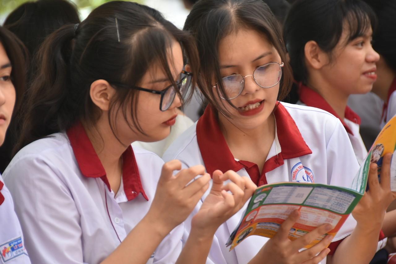 Sinh viên sư phạm từ năm 2021 được hỗ trợ sinh hoạt phí 3,36 triệu đồng/tháng - Ảnh 1.