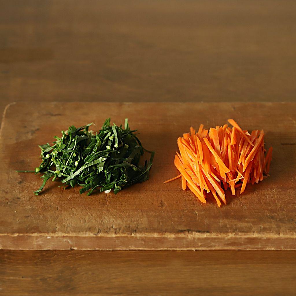 Nếu thấy quá tội lỗi với lịch ăn dày đặc dịp lễ, tối nay làm ngay món bắp cải trộn giòn ngon chua ngọt ăn cho nhẹ bụng thôi! - Ảnh 3.
