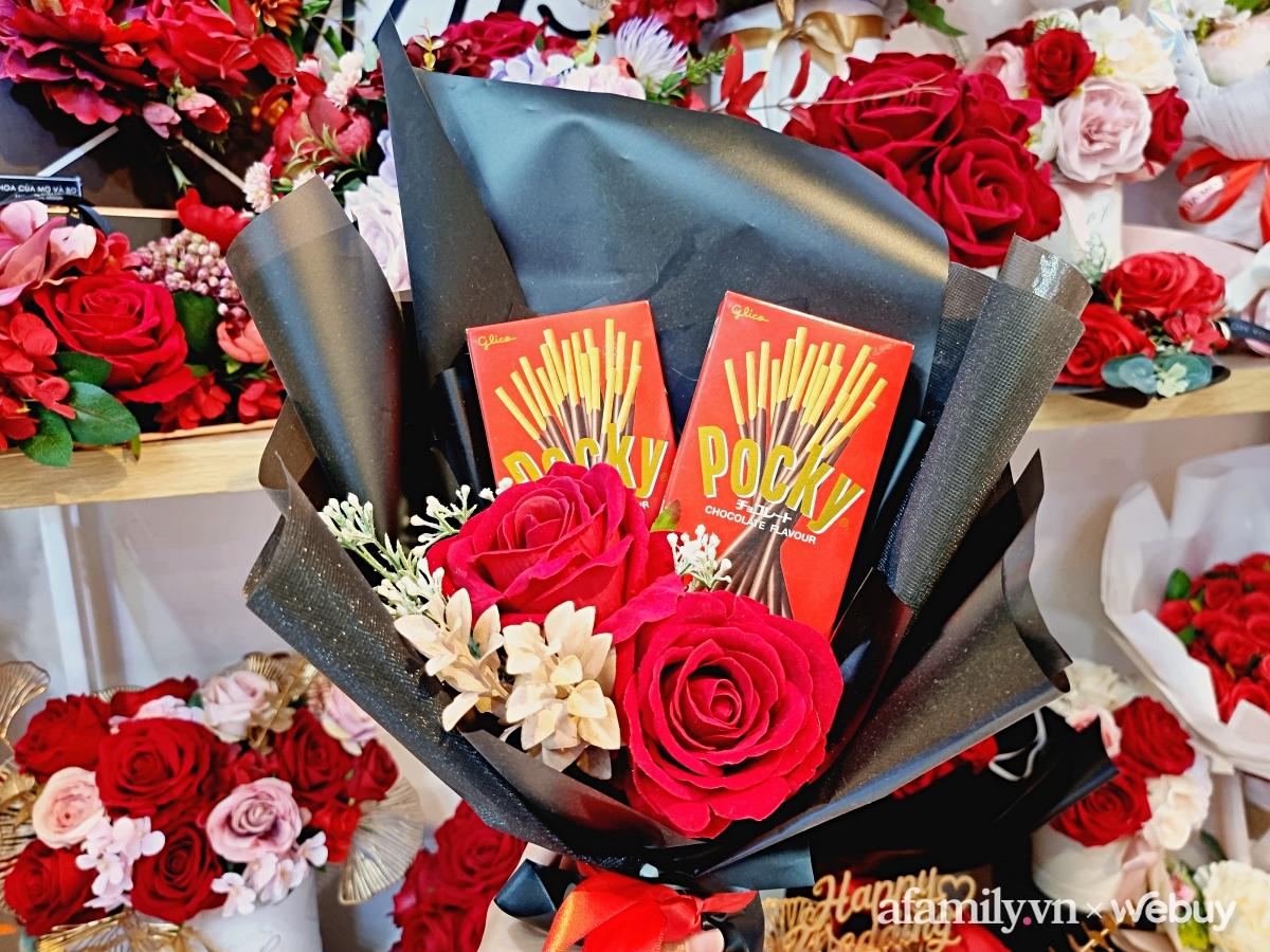 Ghé shop hoa lụa trên phố Lý Thường Kiệt ngắm được hàng chục mẫu hoa siêu đẹp, mua làm quà hay hay trang trí nhà đều cực ổn áp - Ảnh 5.