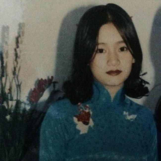 """Dân mạng hào hứng bắt trends """"Đưa mẹ về thanh xuân"""" với loạt ảnh xinh như diễn viên TVB cùng các góc nghiêng cực phẩm của mẹ - Ảnh 14."""