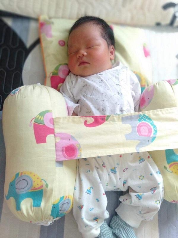 Hà Nội bé trai chào đời nặng tới 4.4kg bằng sinh thường tương đương với cân nặng của trẻ 01 tháng tuổi - Ảnh 3.
