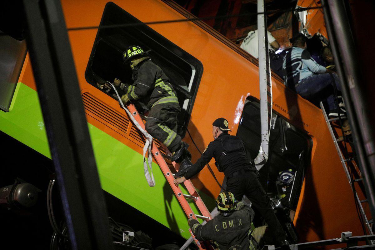 Mexico: Sập đường sắt trên cao đúng lúc tàu chạy qua, hơn 80 người thương vong - Ảnh 5.