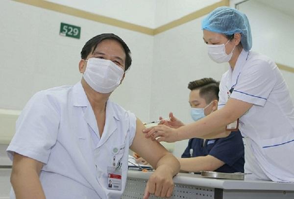 Tổng thư ký Hội Hồi sức cấp cứu và chống độc Việt Nam: Không nên tin vào lời đồn nhảm chữa COVID-19 trên mạng xã hội - Ảnh 1.