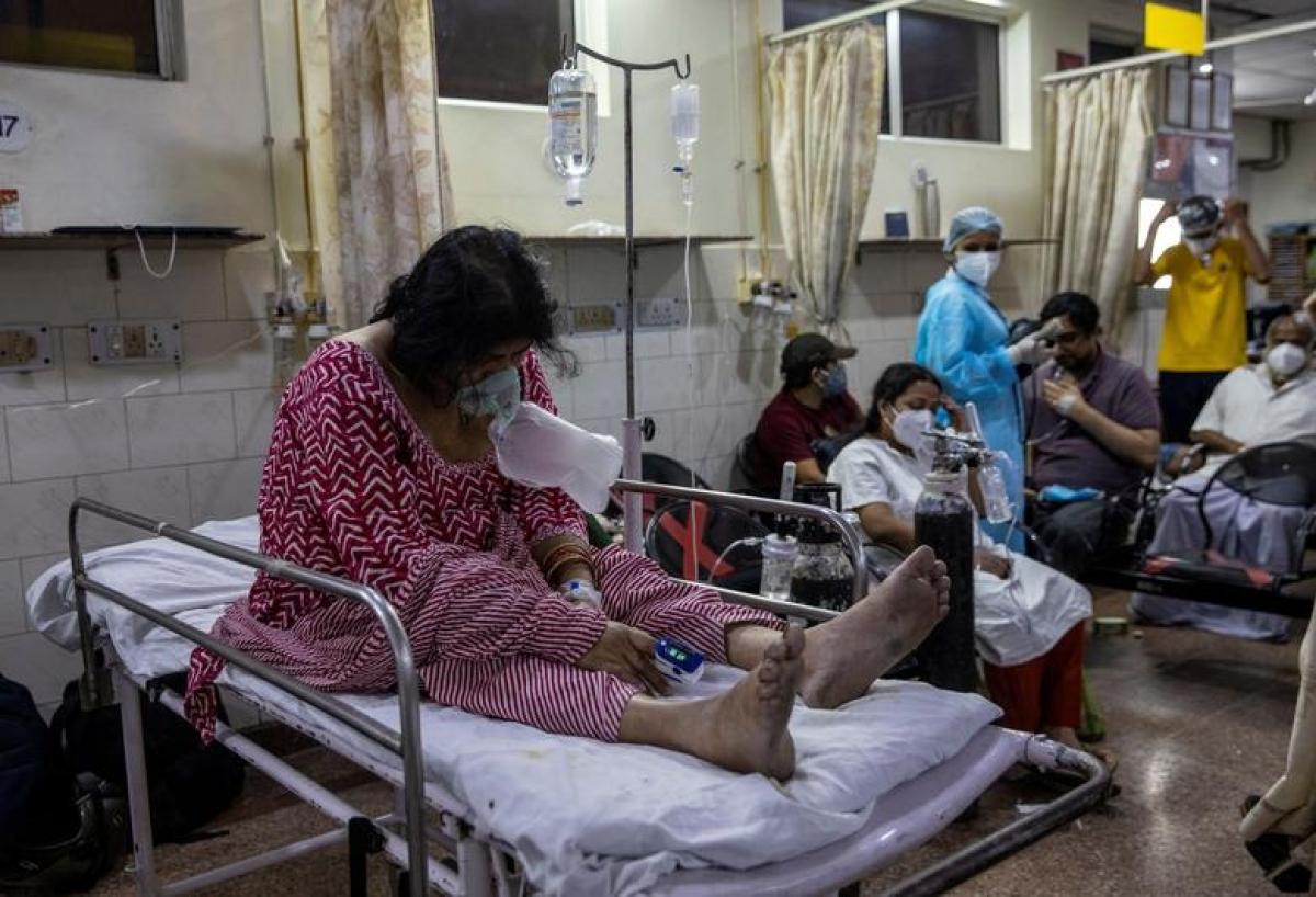 Ấn Độ huy động bác sỹ, y tá thực tập tham gia chống dịch Covid-19 - Ảnh 1.