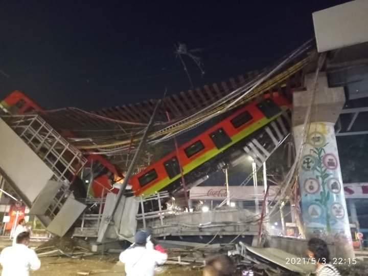 Mexico: Sập đường sắt trên cao đúng lúc tàu chạy qua, hơn 80 người thương vong - Ảnh 1.