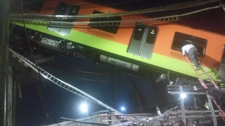 Mexico: Sập đường sắt trên cao đúng lúc tàu chạy qua, hơn 80 người thương vong - Ảnh 2.