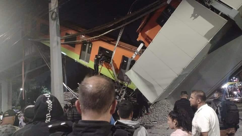Mexico: Sập đường sắt trên cao đúng lúc tàu chạy qua, hơn 80 người thương vong - Ảnh 3.