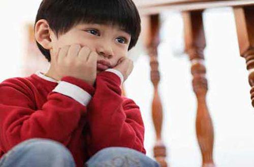 Tiểu dắt ở trẻ em - cảnh báo cho cha mẹ - Ảnh 1.