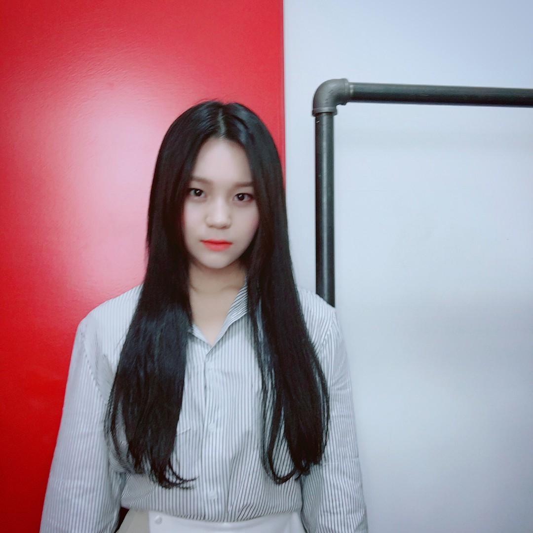Nữ idol từng bị chê xấu nhất lịch sử Kpop, nay đã thăng hạng visual ngoạn mục chỉ nhờ… đổi dáng lông mày - Ảnh 6.