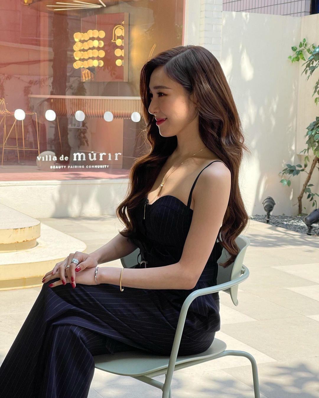 Style mùa hè của Tiffany - Sooyoung (SNSD) chính là chân ái cho những quý cô thanh lịch nhưng sexy khó cưỡng - Ảnh 1.