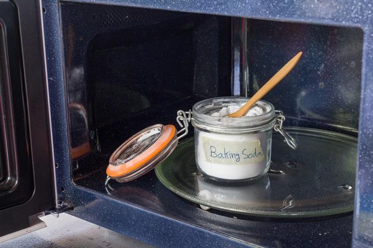 Chỉ cần 1 hộp baking soda giá 30k là bạn có thể làm mọi ngõ ngách trong nhà sạch đến bất ngờ - Ảnh 4.