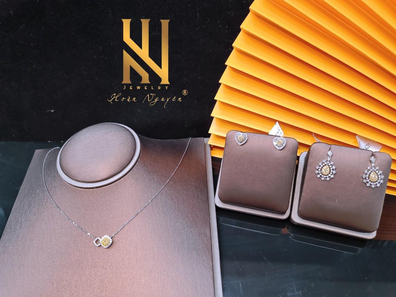Hoàn Nguyên Jewelry- Khẳng định phong cách cùng trang sức cao cấp - Ảnh 1.