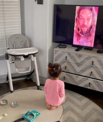 """Con gái hâm mộ Aquaman, gã khổng lồ """"The Rock"""" đã làm 1 việc mừng sinh nhật khiến con sướng rơn - Ảnh 4."""