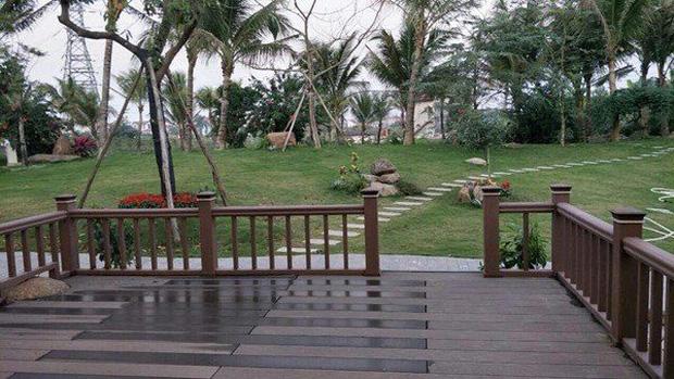 """Biệt phủ rộng thênh thang, kết cấu như resort của Xuân Bắc: Được xây bằng gỗ tự nhiên, nhìn toàn cảnh sân vườn thôi mà """"choáng"""" - Ảnh 7."""
