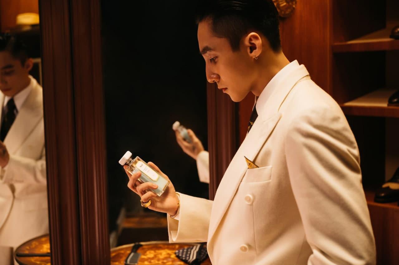 """Bật mí về chai Hydrating Toner xuất hiện trong MV """"Muộn Rồi Mà Sao Còn"""" của Nghệ Sĩ Sơn Tùng M-TP - Ảnh 3."""