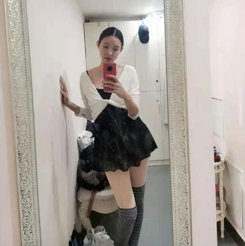 Trầm trồ trước nhan sắc và vóc dáng thật của Hoa hậu Thế giới Trương Tử Lâm khi mang thai lần 2 - Ảnh 3.