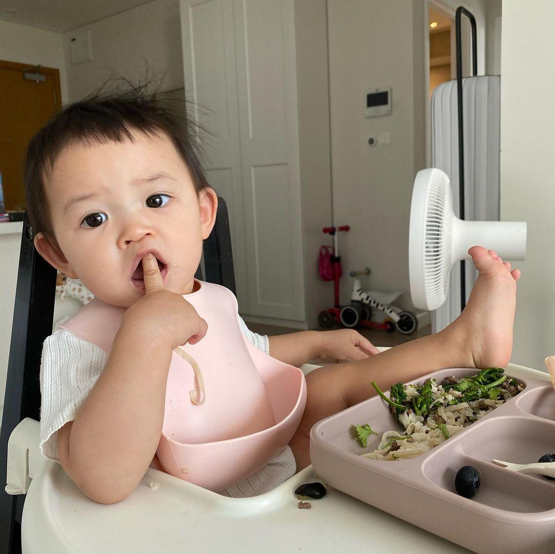 Có bố mẹ nổi tiếng, dàn hot kid auto khuấy đảo MXH Việt: Đáng iu quá quý dzị ơi! - Ảnh 22.