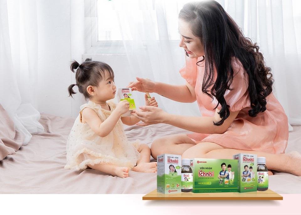 Mách mẹ cách bảo vệ sức khỏe hệ hô hấp của trẻ trong mùa dịch - Ảnh 2.