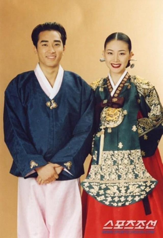 """""""Nữ hoàng nước mắt"""" Choi Ji Woo: Nhiều năm lận đận đường tình duyên, đang ổn định với hôn nhân ở tuổi U50 lại bất ngờ bị """"bóc"""" đời tư thác loạn - Ảnh 8."""