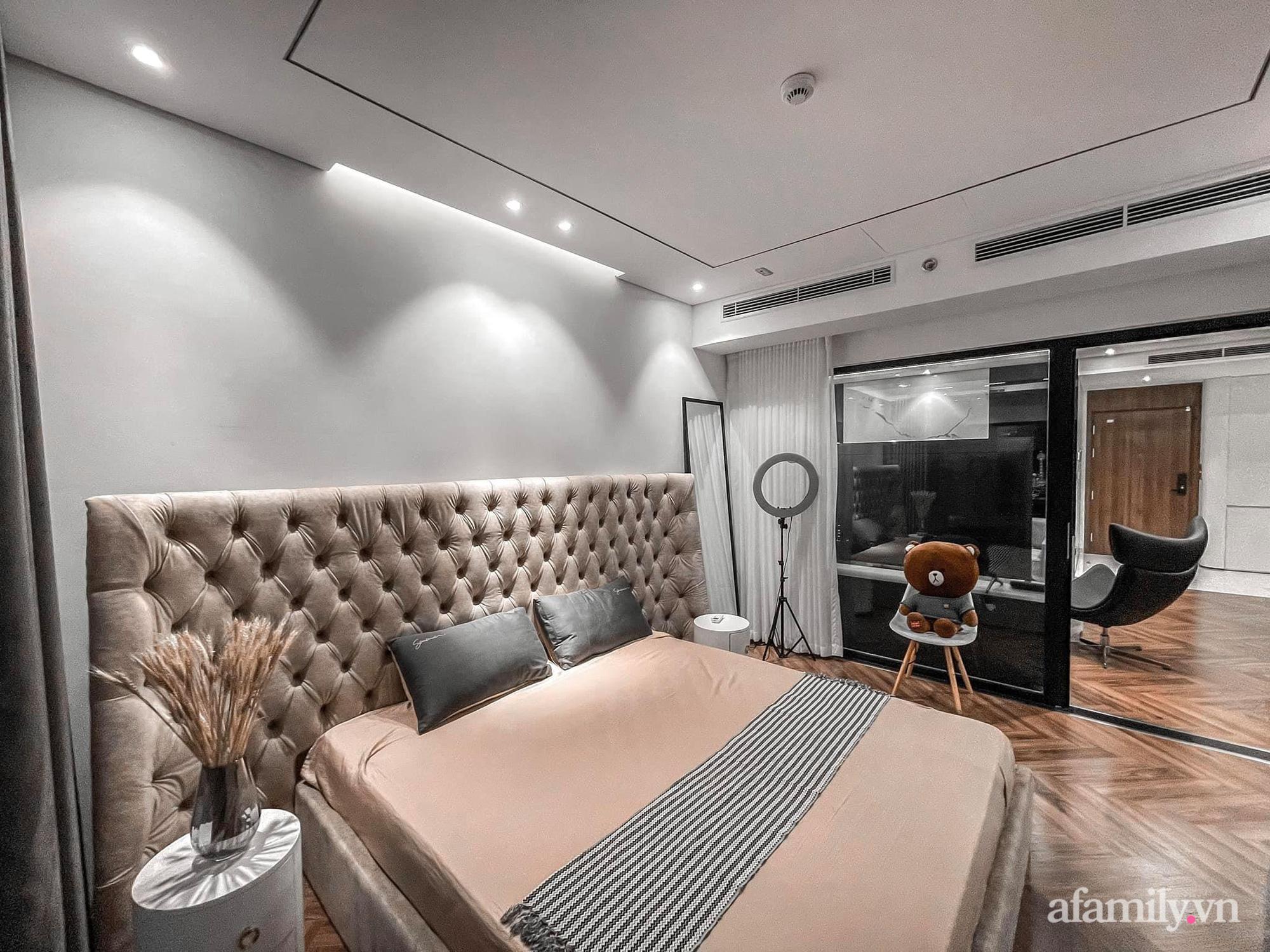 Căn hộ 125m² với gam màu tối cực chất của cặp vợ chồng yêu thời trang ở Hà Nội - Ảnh 22.