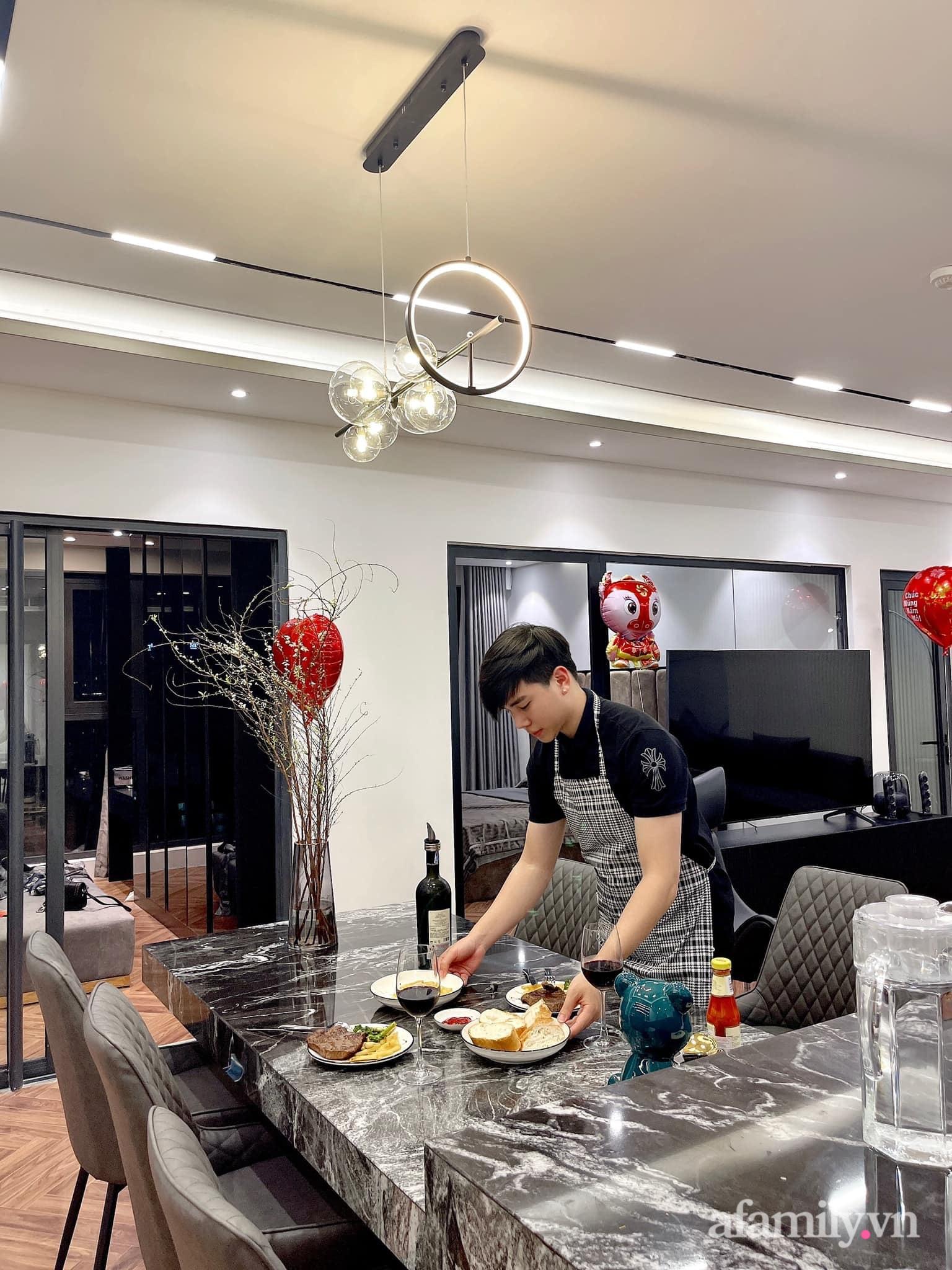 Căn hộ 125m² với gam màu tối cực chất của cặp vợ chồng yêu thời trang ở Hà Nội - Ảnh 13.