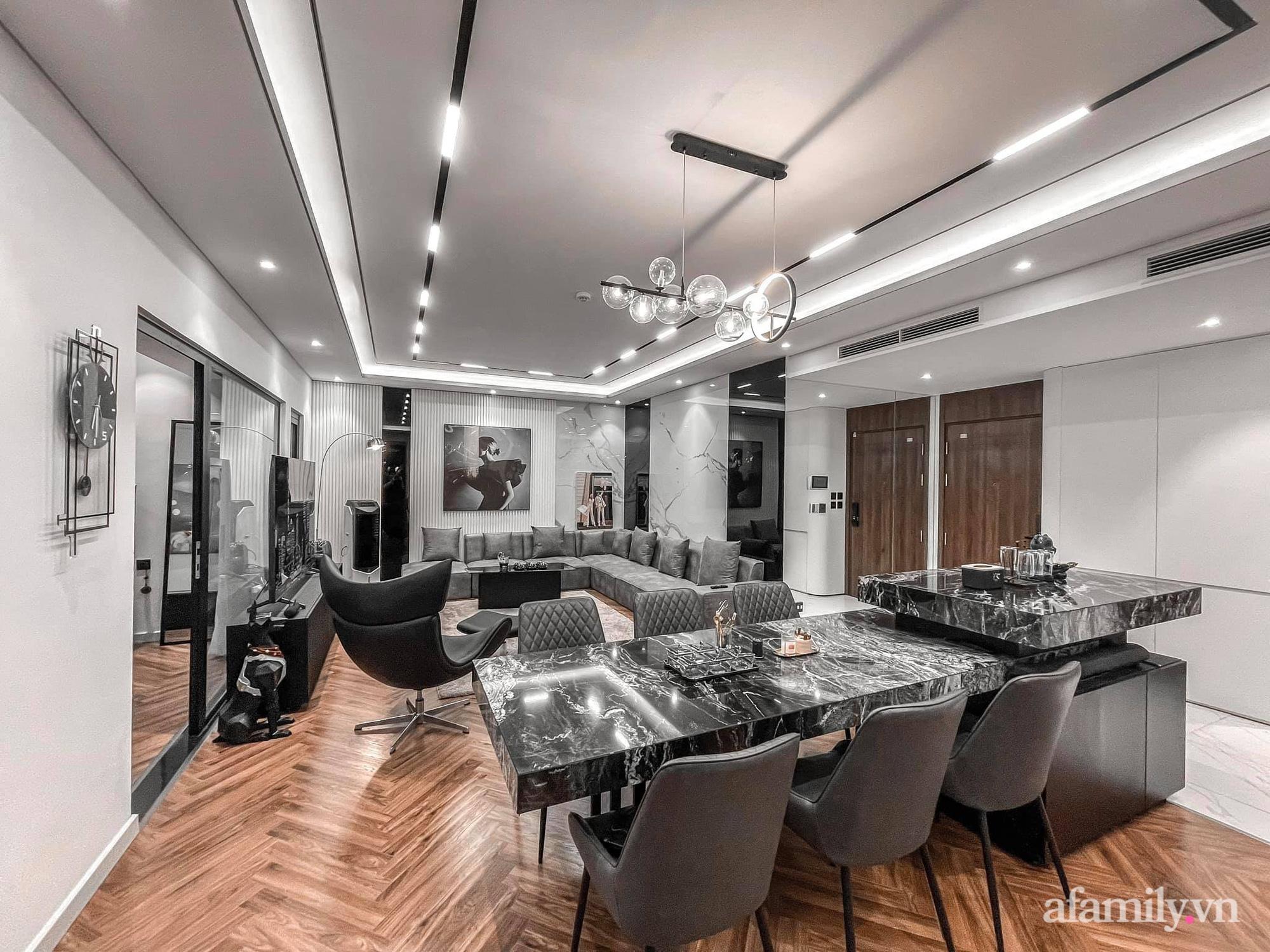 Căn hộ 125m² với gam màu tối cực chất của cặp vợ chồng yêu thời trang ở Hà Nội - Ảnh 11.