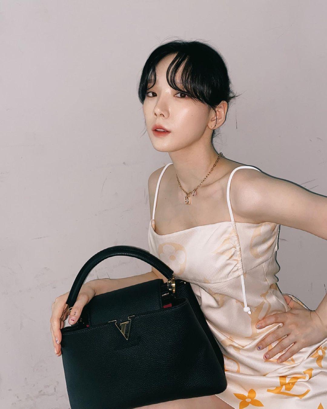 """Nayeon (Twice) thua toàn tập trước """"chị đại"""" Taeyeon khi đụng độ: Style đến khí chất đều cách """"một trời một vực"""" - Ảnh 3."""