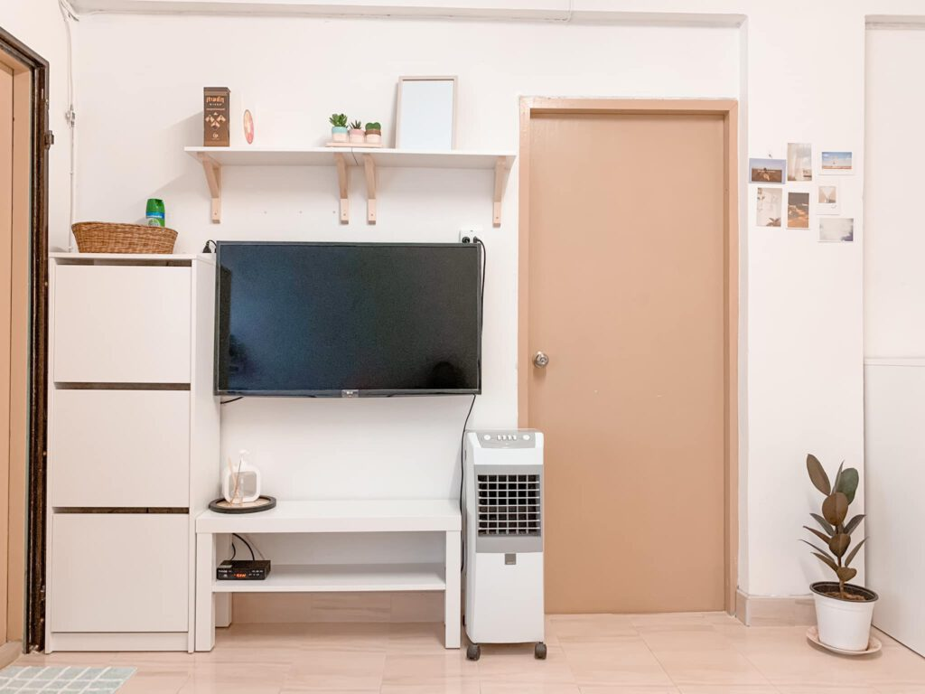 Vợ chồng mới cưới thuê nhà cũ kỹ và cải tạo thành không gian tối giản đầy cuốn hút - Ảnh 5.