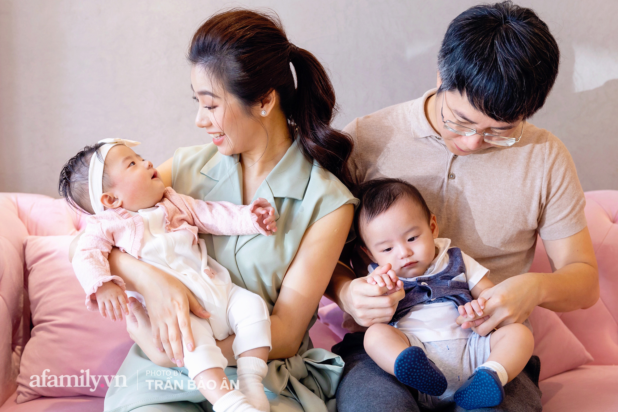 Đỗ Hồng Nhung - Người mẹ 2 con sáng làm văn phòng, tối làm CEO hai công ty, chia sẻ cuộc sống đầy bất ngờ khi được mẹ chồng là Tiến sĩ Tâm lý suốt ngày cưng chiều - Ảnh 4.