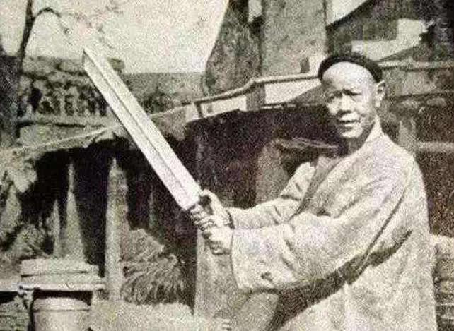 Đao phủ cuối cùng của triều Thanh: Chặt một cái đầu, tiền công ăn nửa năm, cuối đời nhận quả báo cay đắng vì khinh thường quy tắc quan trọng - Ảnh 2.