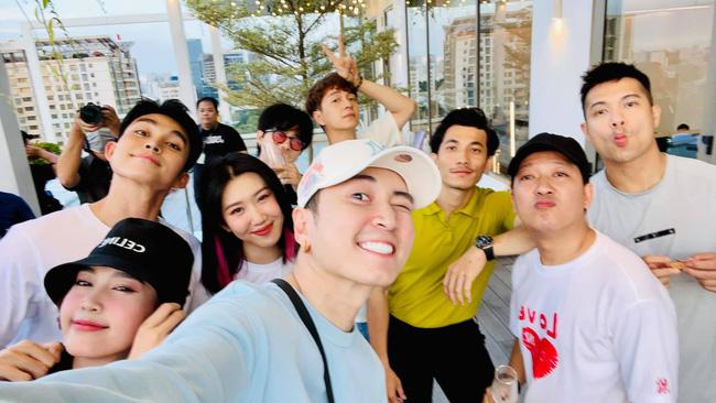 Running Man Vietnam: BTC liên tục đăng clip Lan Ngọc - Trường Giang - Jack nhưng không thấy Karik, liệu có đổi người?  - Ảnh 1.