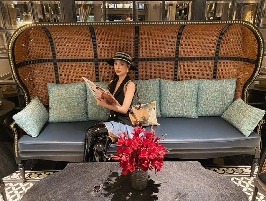 """Cuối tuần của hội hot mom: """"Cô chủ nhỏ"""" Myla điệu đà rót trà mời khách, nữ cơ trưởng Huỳnh Lý Đông Phương đẹp dịu dàng trong buồng lái máy bay - Ảnh 3."""
